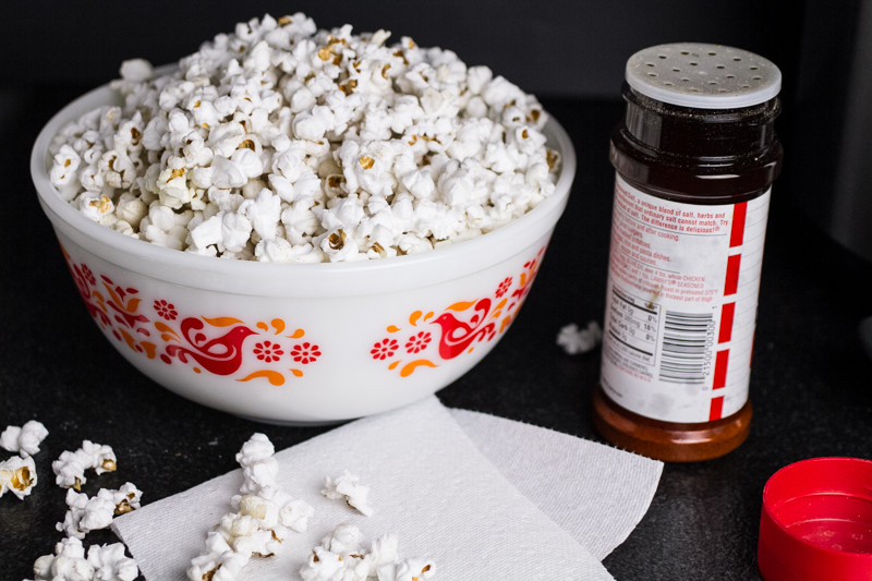 Stovetop popcorn is tastier, healthier, and much less expensive than microwave popcorn. Try my perfect stovetop popcorn recipe and you may never buy microwave popcorn again! | chattavore.com