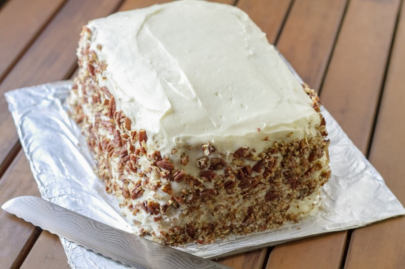 This classic hummingbird cake is a rich Southern favorite, with bananas, pineapple, pecans, cream cheese frosting, and coconut. | recipe from Chattavore.com
