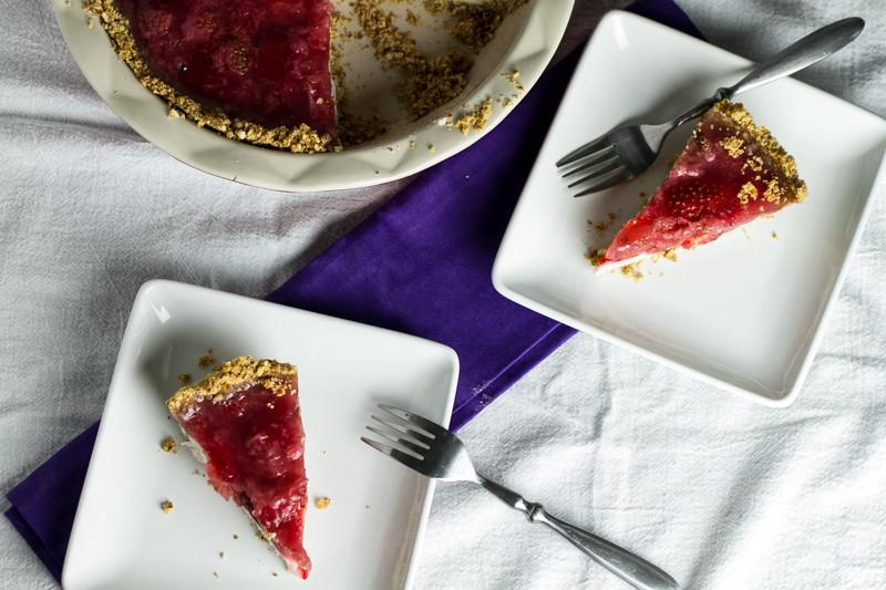 Strawberry cream pie with pretzel crust is the pie of my dreams! | chattavore.com