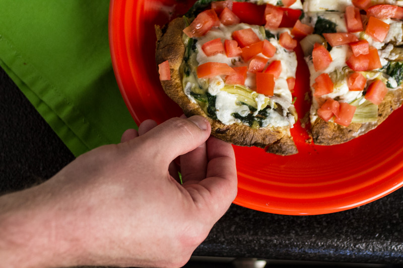 Tortilla pizzas with vegetables are a quick, simple, and vegetable-packed option for lunch, dinner, or even for a substantial snack!  | recipe from Chattavore.com