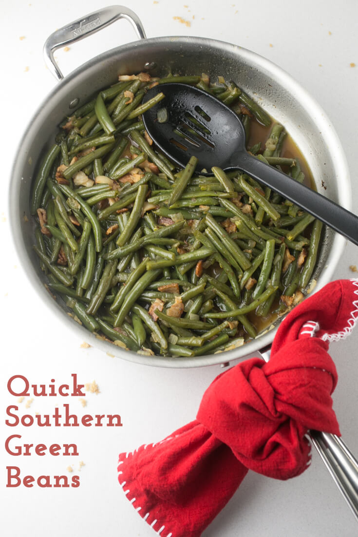 Quick Southern green beans give you the flavor of long-simmered traditional Southern green beans in barely over half an hour! #southernfood #southerncooking #sidedishes #greenbeans | Recipe from Chattavore