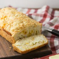 Beer Cheese Bread (Quick) + Video